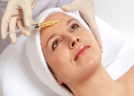 http://odontiatriko.gr/wp-content/uploads/2015/06/kosmitikes-dermatologikes-therapeies-prosopou-440x315.jpg